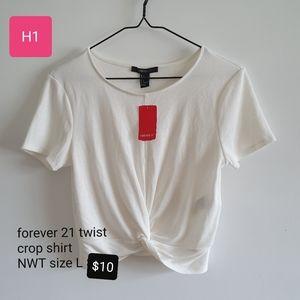 White crop twist front tee shirt NWT size L